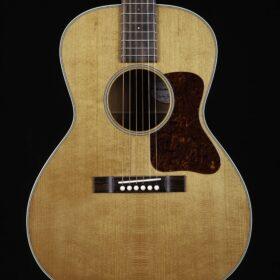 Acoustic Guitar - Guitar Trailer