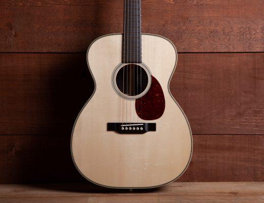 Acoustic Guitar - Eddie's Guitars Inc